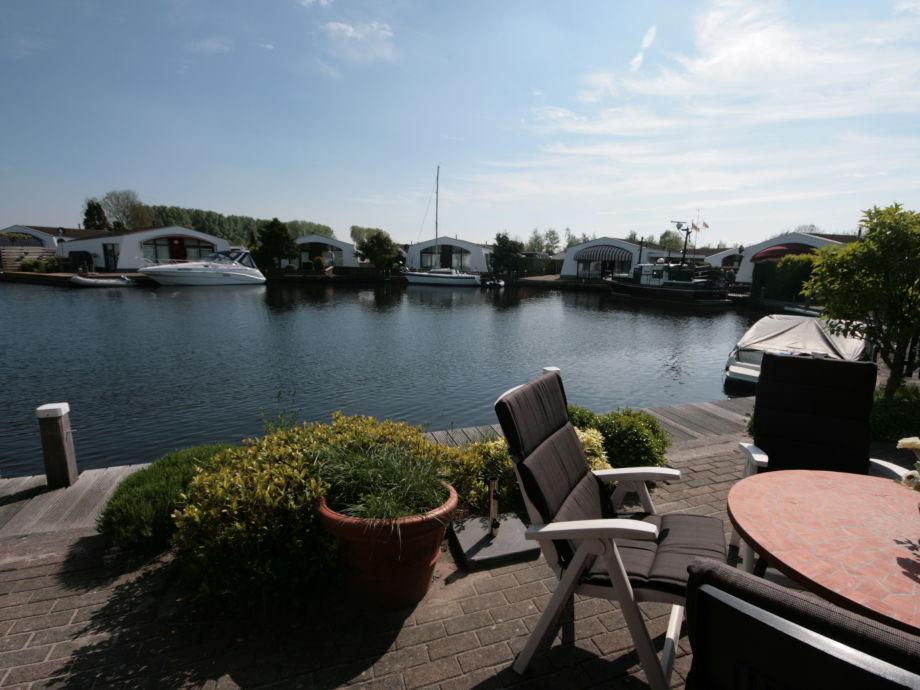bungalow aquaronde 59 ijsselmeer lemmer firma aqua state ferienwohnungen frau nina goudberg
