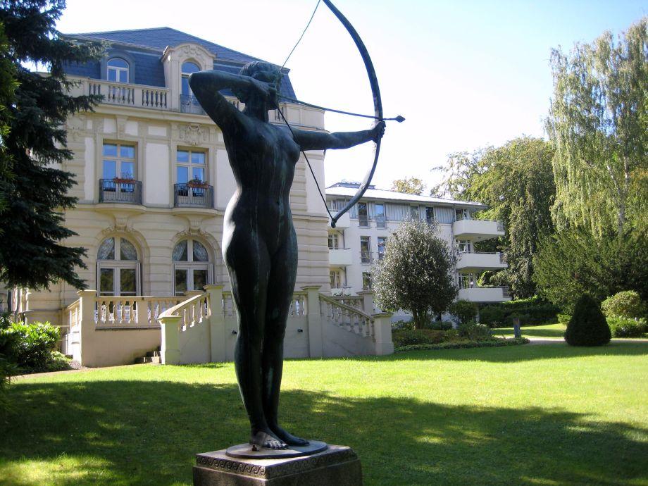 Jagdgöttin Diana im Park der Residenz