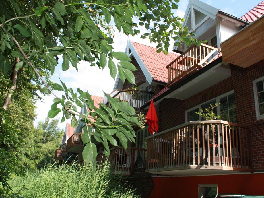 Im Grünen auf dem Balkon