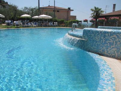 Villa Margherita 3-Zimmer-Whg am See mit Pool