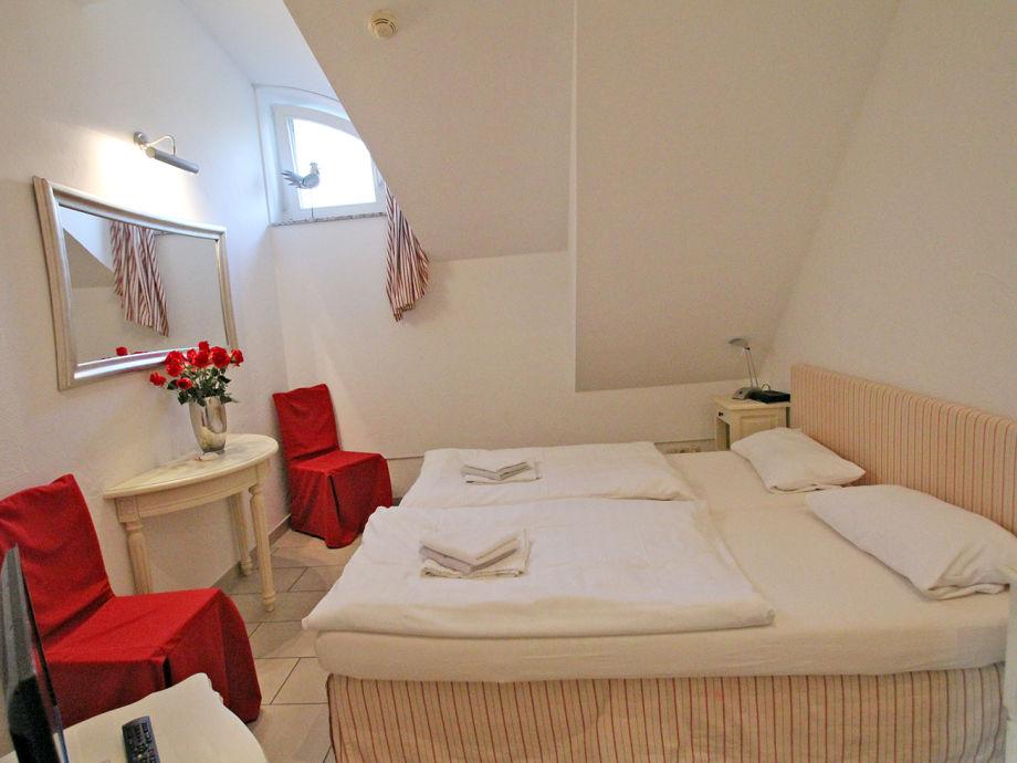 ferienwohnung wellness residenz wohnung 19 zingst. Black Bedroom Furniture Sets. Home Design Ideas
