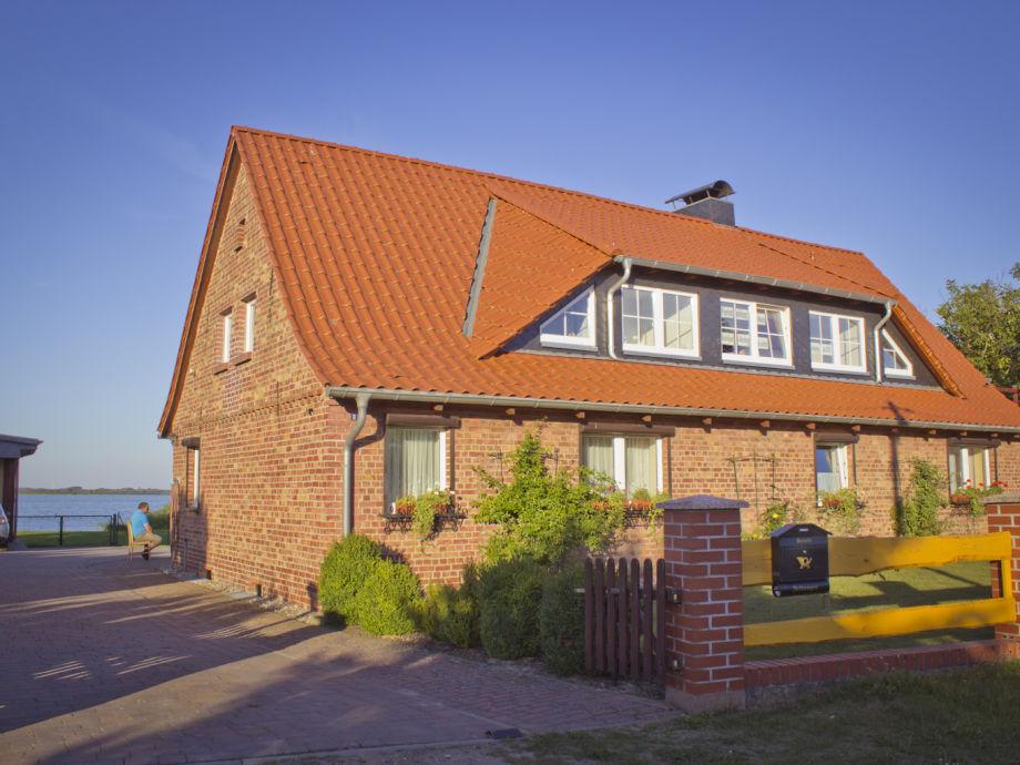 Ferienwohnung Landhaus mit Blick auf Neuwarper See