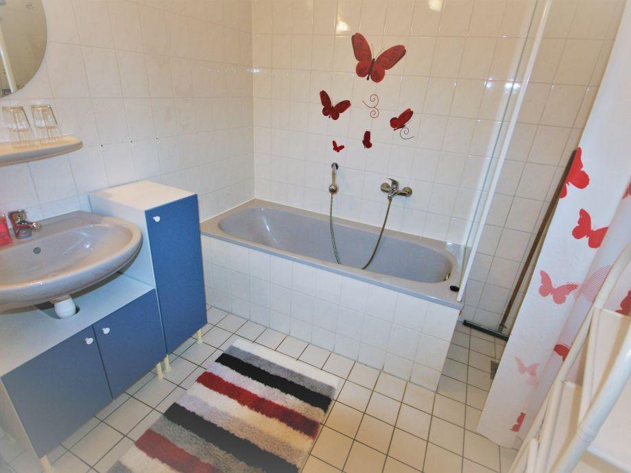 Bungalow aquaronde 84 ijsselmeer lemmer firma aqua for Badezimmer mit dusche und wanne