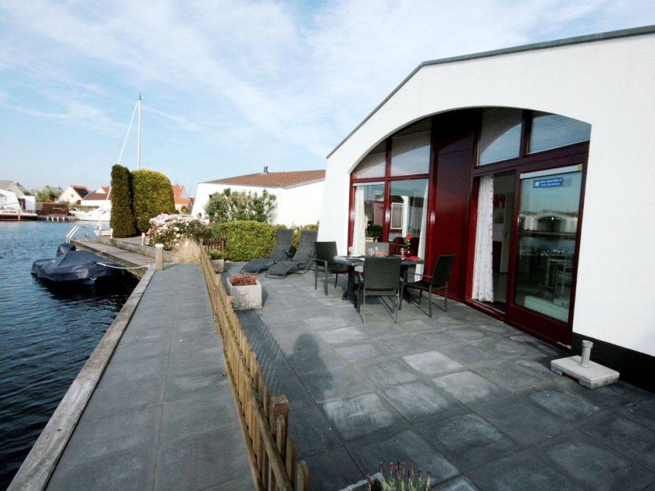 bungalow aquaronde 105 ijsselmeer lemmer firma aqua. Black Bedroom Furniture Sets. Home Design Ideas