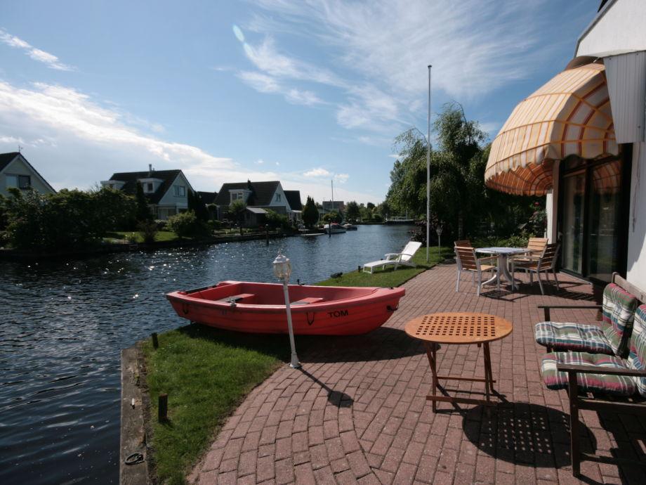 ferienhaus aquaronde 110 niederlande friesland ijsselmeer lemmer firma aqua state. Black Bedroom Furniture Sets. Home Design Ideas