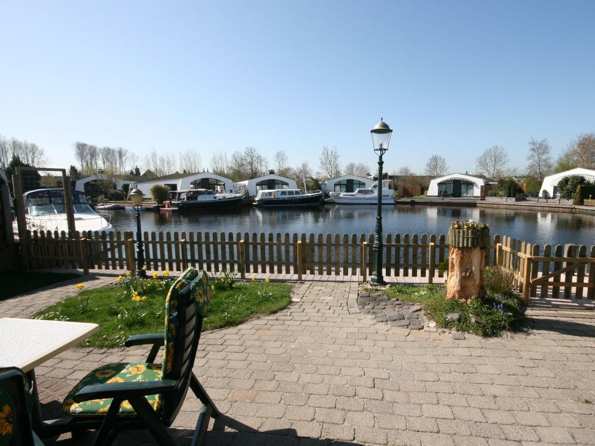 bungalow aquaronde 129 ijsselmeer lemmer firma aqua. Black Bedroom Furniture Sets. Home Design Ideas