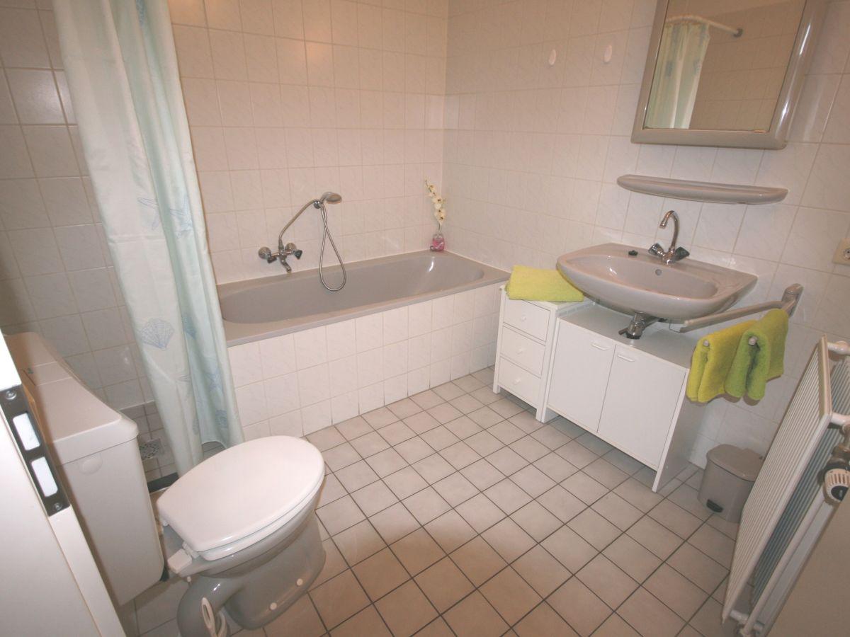 Bungalow aquaronde 129 lemmer firma aqua state for Badezimmer mit dusche und wanne