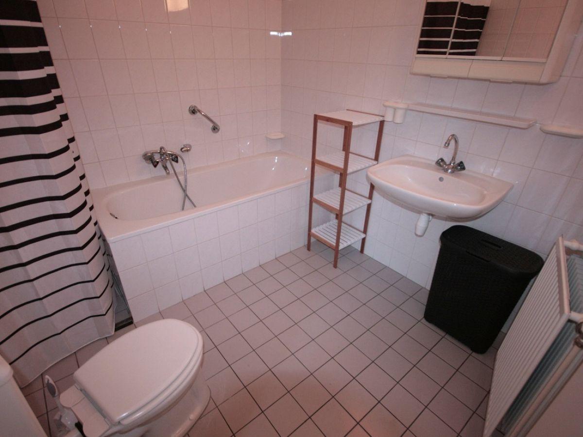 badezimmer dusche und wanne raum und m beldesign. Black Bedroom Furniture Sets. Home Design Ideas