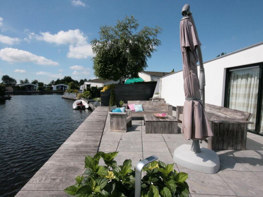 2 Terrassen am Wasser mit sonnige Lage