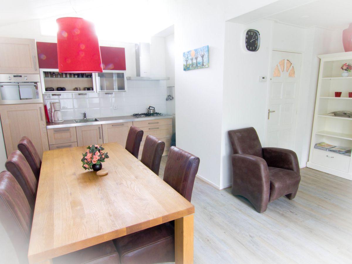 ferienhaus haus am see und wald ijsselmeer lemmer firma aqua state ferienwohnungen frau. Black Bedroom Furniture Sets. Home Design Ideas