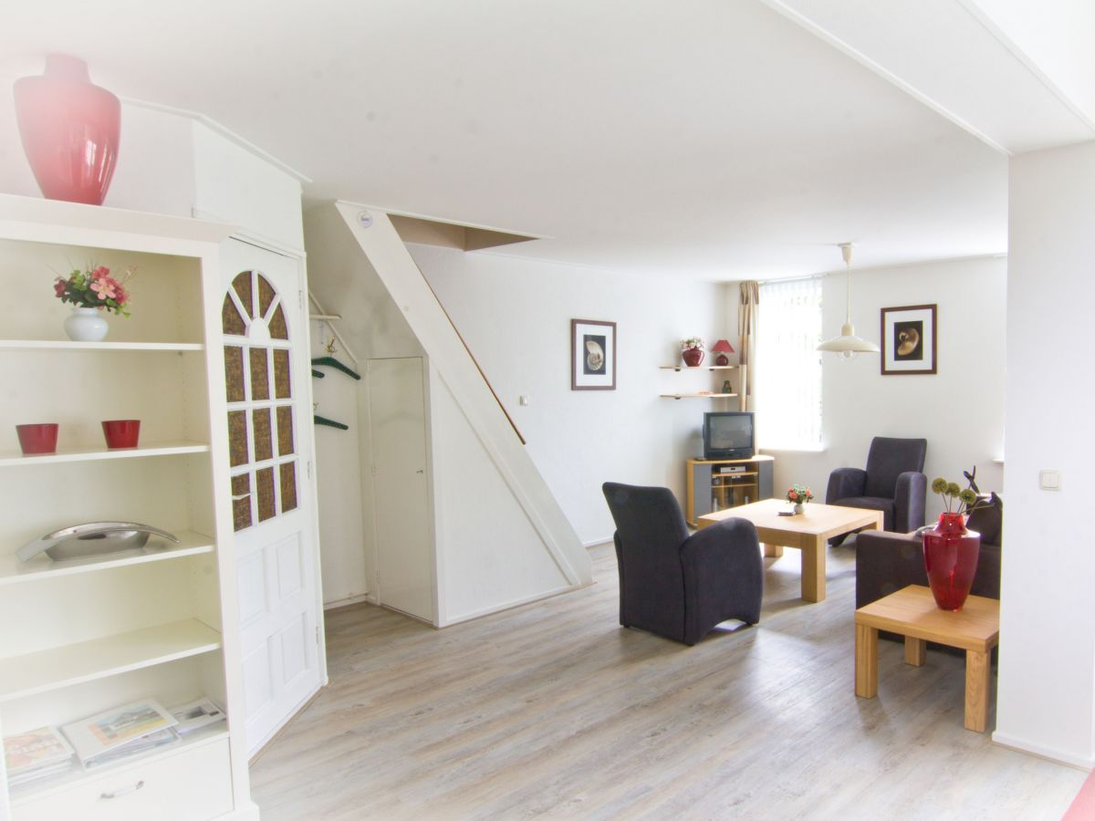 haus wohnzimmer oben:Ferienhaus Haus am See und Wald, IJsselmeer, Lemmer – Firma Aqua-State