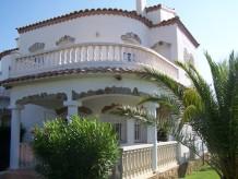 Villa Manel