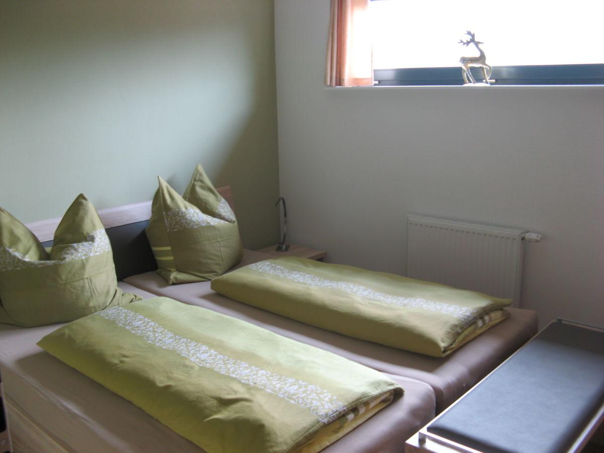 Gutsweg eins ferienwohnung 2 sachsen erzgebirge for Kleines doppelbett