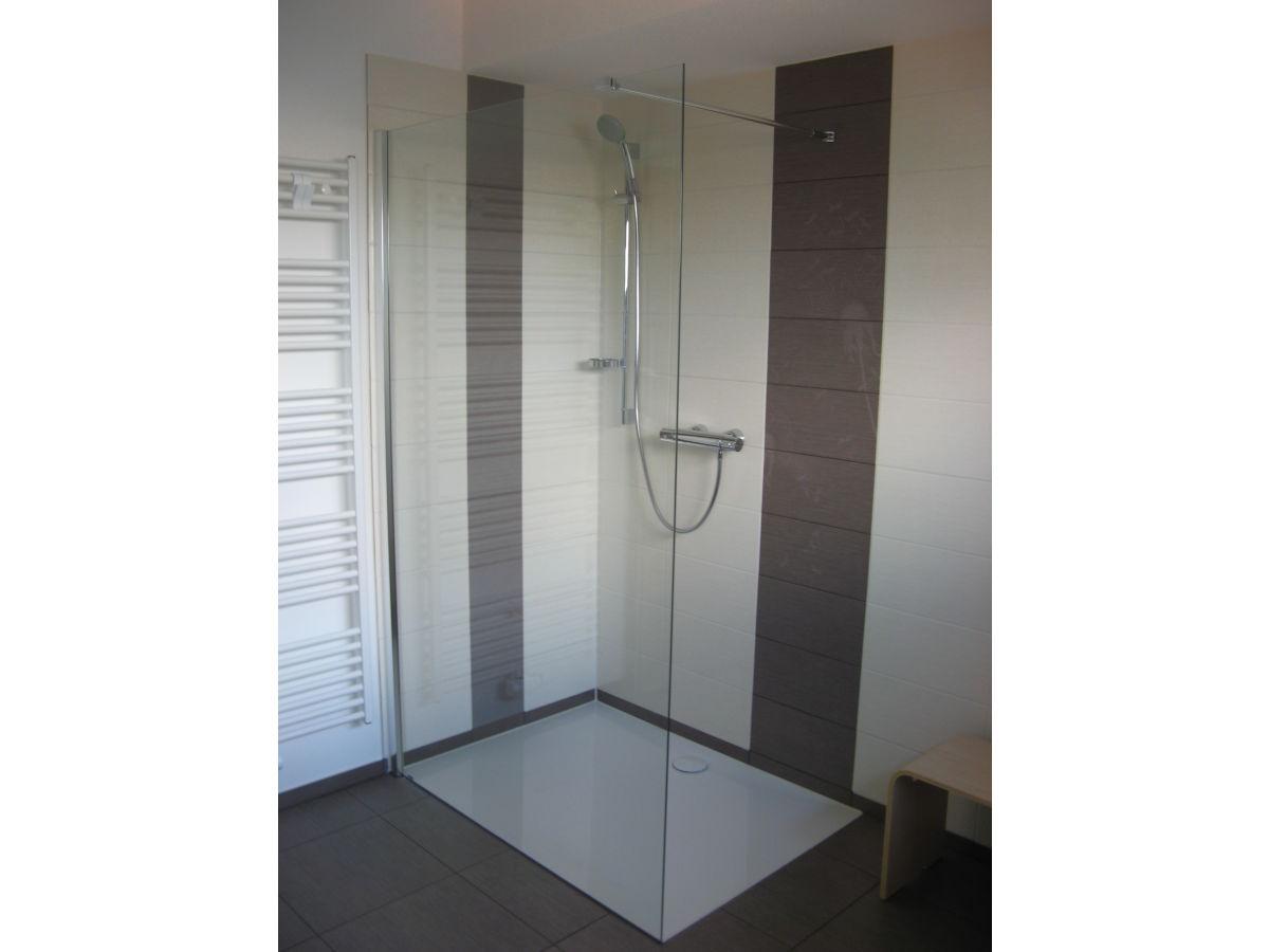 Bodengleiche Dusche Kleines Bad : Gutsweg Eins – Ferienwohnung 2, Sachsen, Erzgebirge, Westerzgebirge