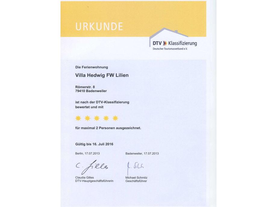 ferienwohnung lilien villa hedwig s dschwarzwald badenweiler frau rita grimm. Black Bedroom Furniture Sets. Home Design Ideas