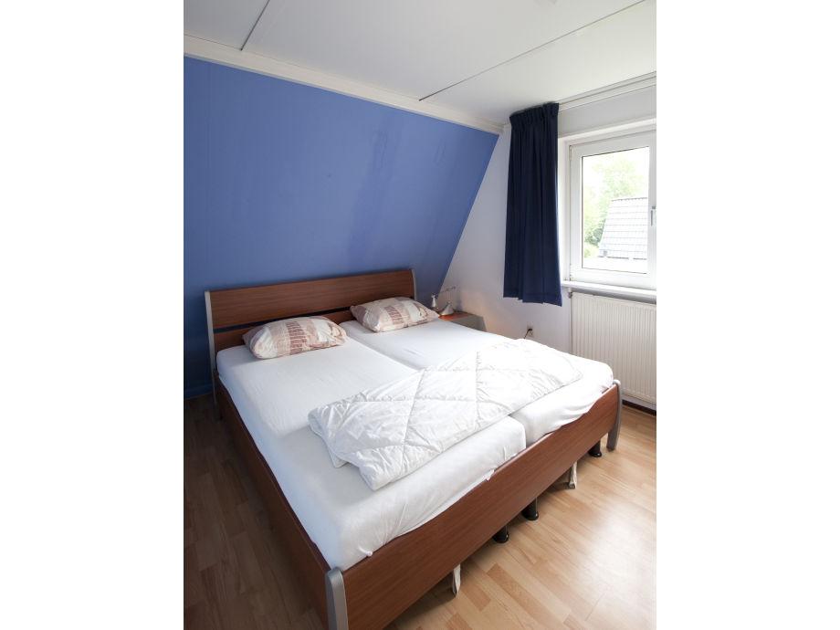 Bungalow tulipa nord holland egmond binnen firma egmond verhuur frau danielle dekker - Schrankwand schlafzimmer ...
