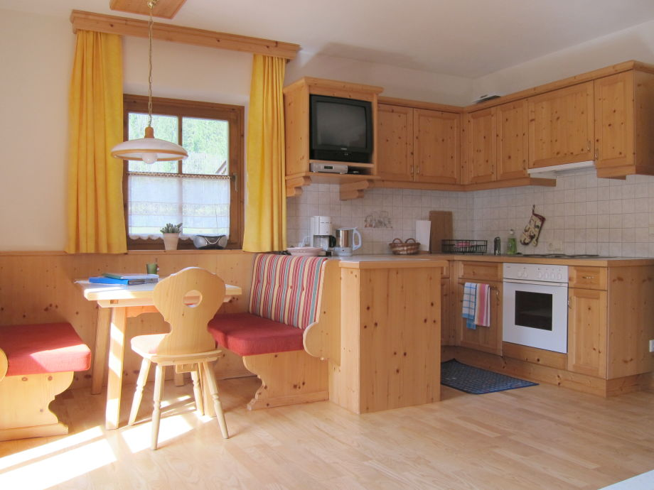 ferienwohnung 1 im landhaus maria pfannhauser salzburger saalachtal frau maria pfannhauser. Black Bedroom Furniture Sets. Home Design Ideas