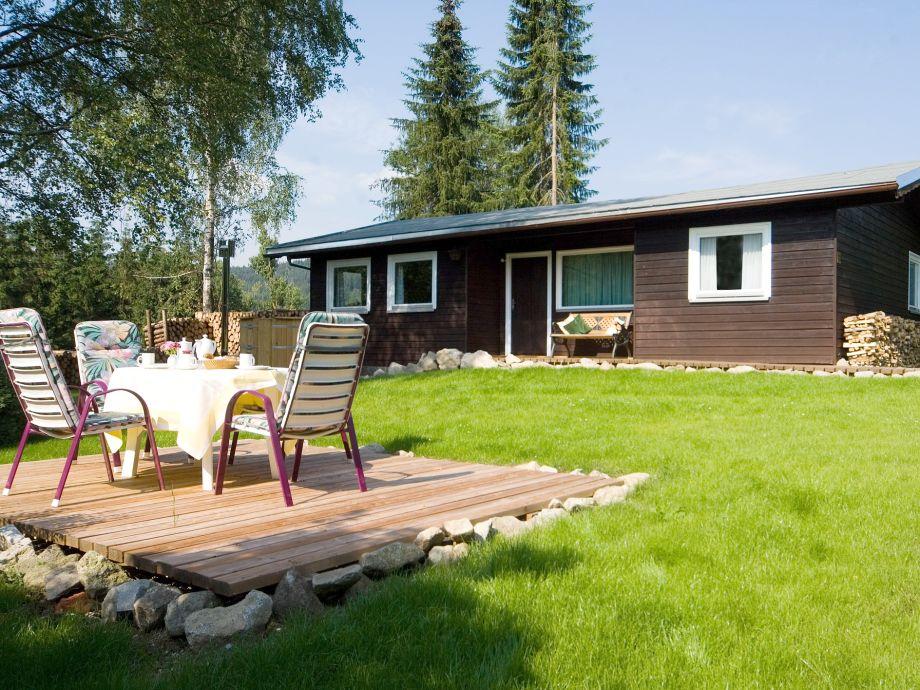 Außensitzplatz mit Garten