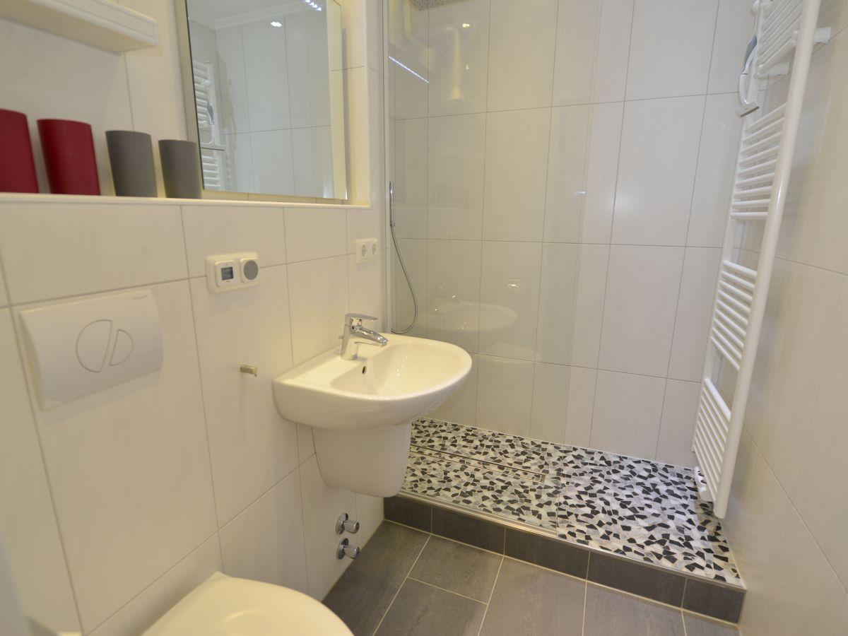 ferienwohnung frische brise 1009 cuxhaven sahlenburg firma caroline regge. Black Bedroom Furniture Sets. Home Design Ideas