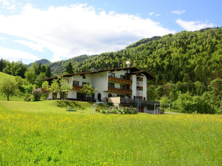 Ferienwohnungen- und Appartementhaus Staffnerhof Kössen