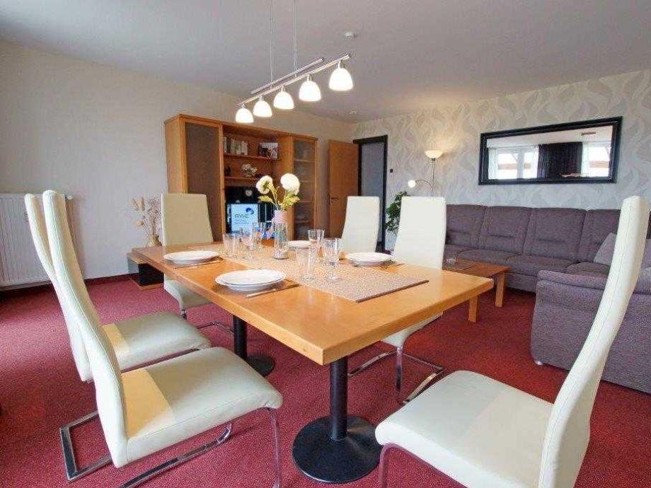 großes 30 qm Wohnzimmer