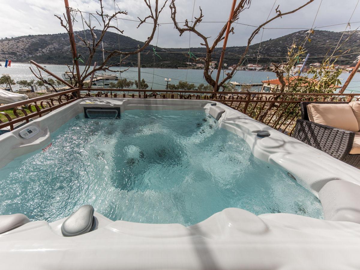 Ferienwohnung Mit Jacuzzi 10m Vom Meer Vinisce Firma Apartments