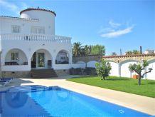 Villa Casa Primavera mit Privatpool und Bootsliegeplatz