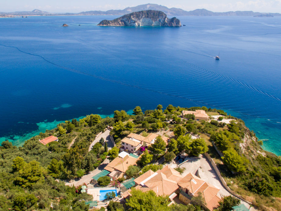Villas Cavo Marathia with panoramic view over the bay