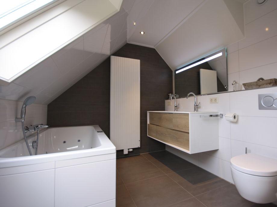 Villa kamperfoelie 31 texel de koog firma texelferien for Das moderne badezimmer