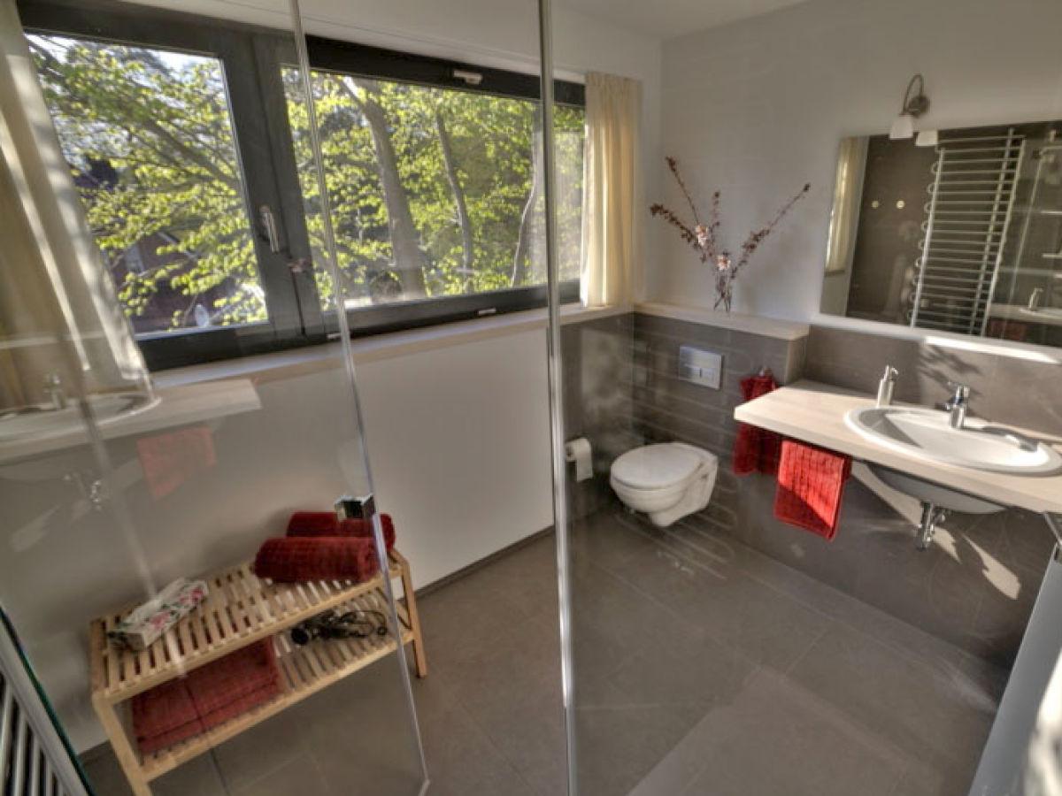 ferienwohnung 2 im sonnensteg 23 ostsee r gen sellin herr thomas sch nburg. Black Bedroom Furniture Sets. Home Design Ideas