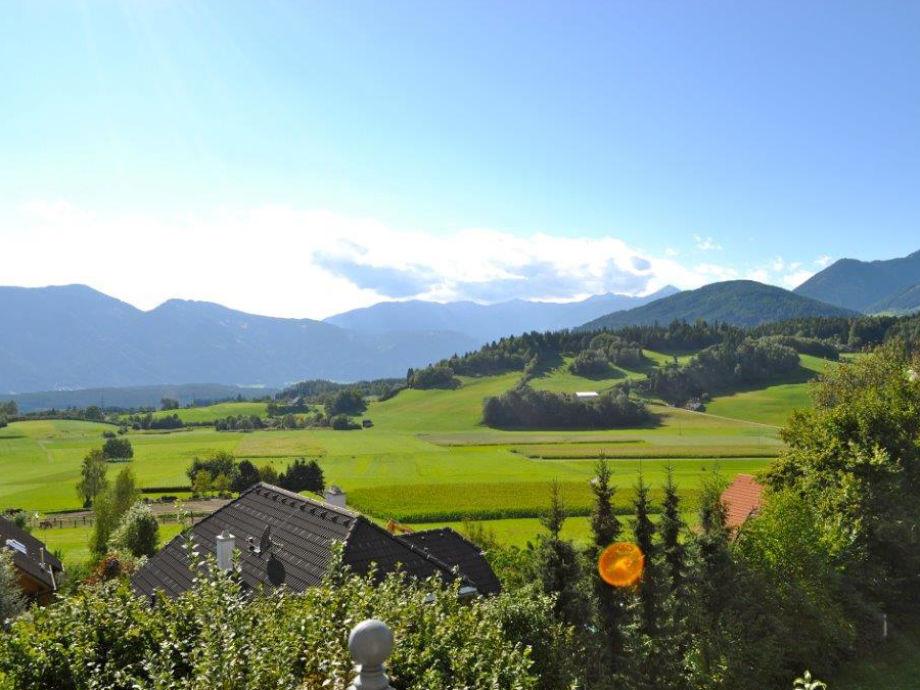 Blick in die Umgebung des Bergchalets