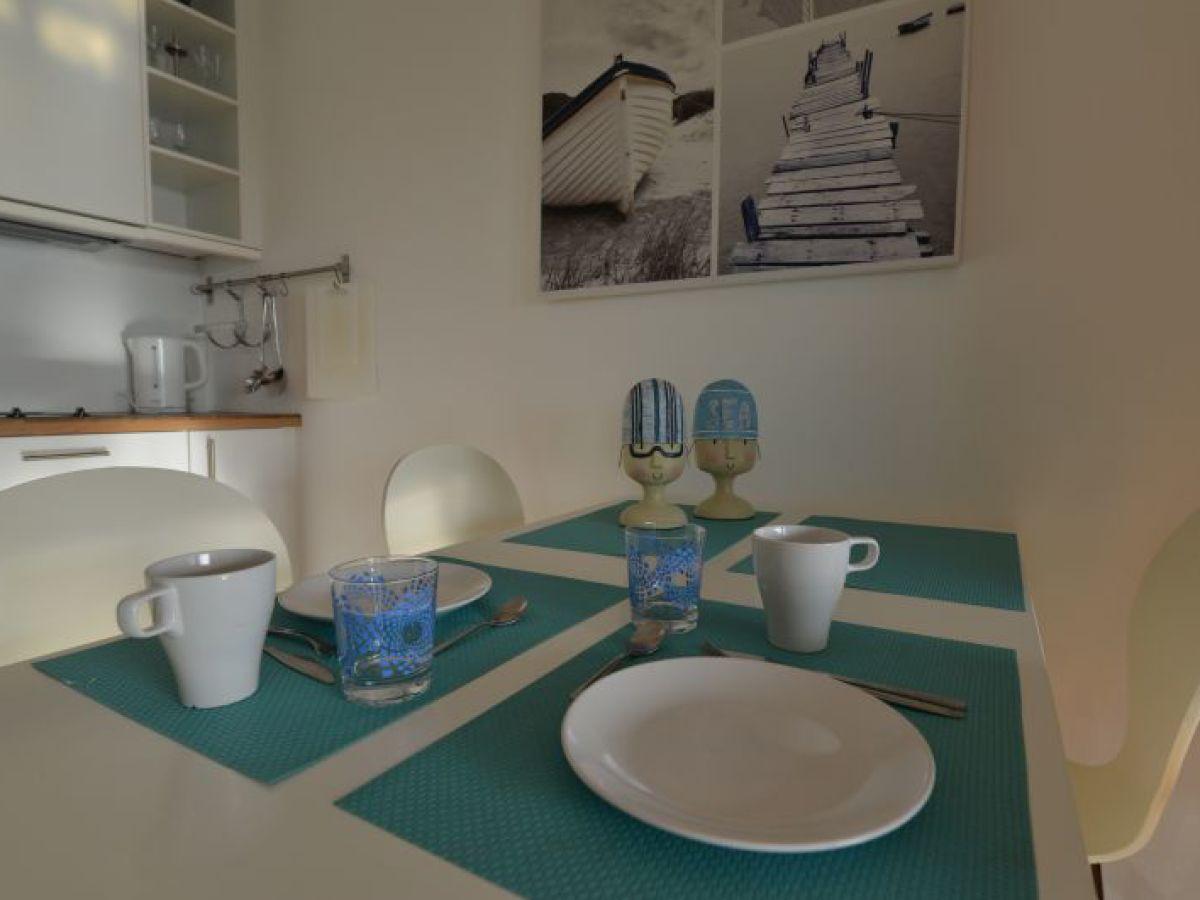 Esstisch Tischtennis ~ Ferienwohnung Frische Brise 0604, Cuxhaven  Sahlenburg  Firma Caroline Regg