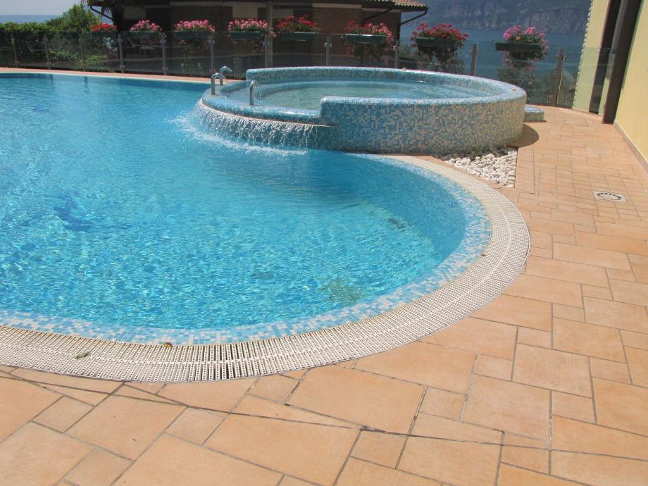 Außenaufnahme Residenz Villa Margherita 2-Zimmer-Whg mit Pool