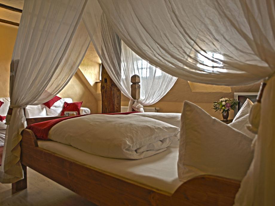 Schlafzimmer einer Ferienwohnung