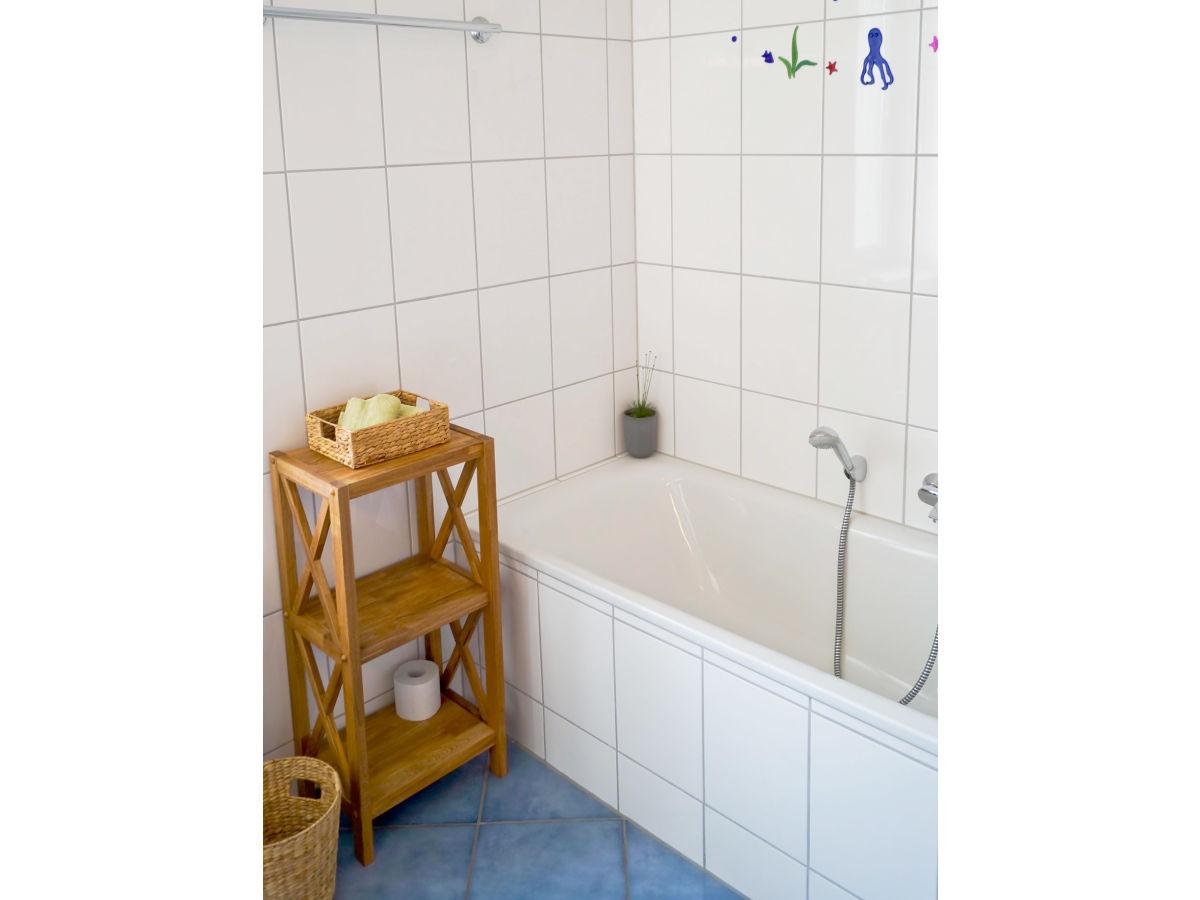 was kostet eine badewanne voll mit wasser badewanne liter. Black Bedroom Furniture Sets. Home Design Ideas
