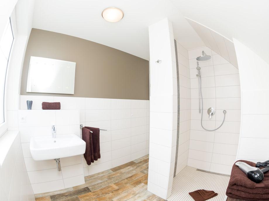 2. Badezimmer, Ebenerdige Dusche