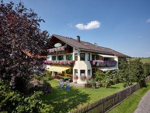 """Ferienwohnung """"A"""" im Gästehaus Alpina"""