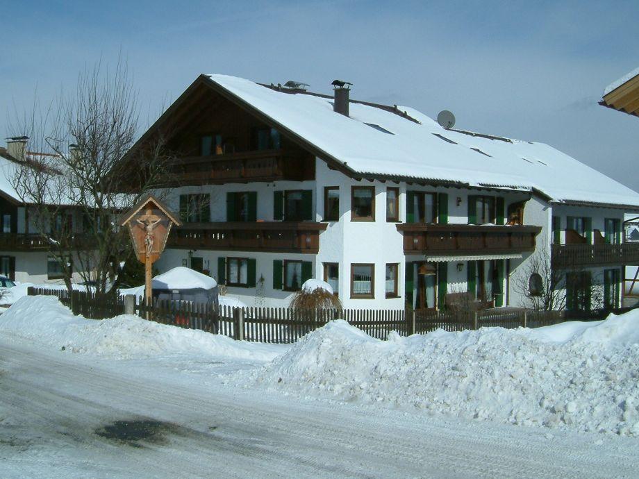 Winter ums Gästehaus Alpina