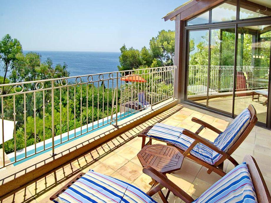 Blick von der Terrasse in der Villa bei Carqueiranne