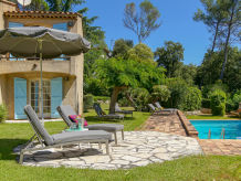 Holiday house Ferienhaus mit Pool in Golfplatznähe in Saint-Raphael