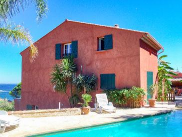 Villa mit Pool direkt am Strand in Carqueiranne