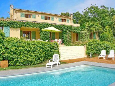 Villa with Pool at La Garde-Freinet
