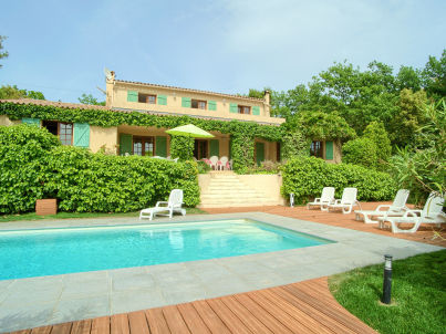 Villa with Pool at La Garde-Freinet