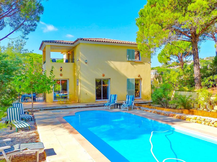 Außenaufnahme mit privatem Pool in Les Issambres