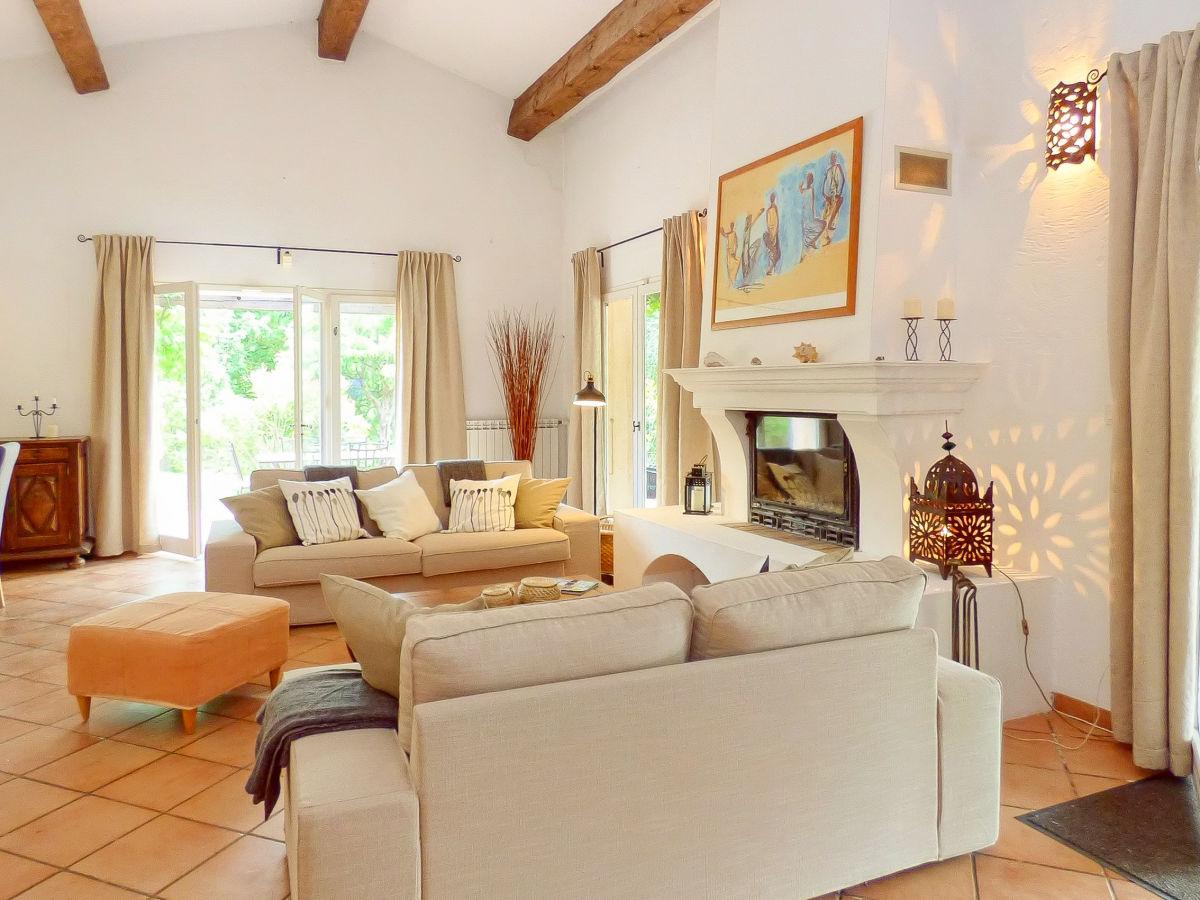 ferienhaus mit pool im hinterland der k ste flayosc firma marion kutschank feriendomizile. Black Bedroom Furniture Sets. Home Design Ideas