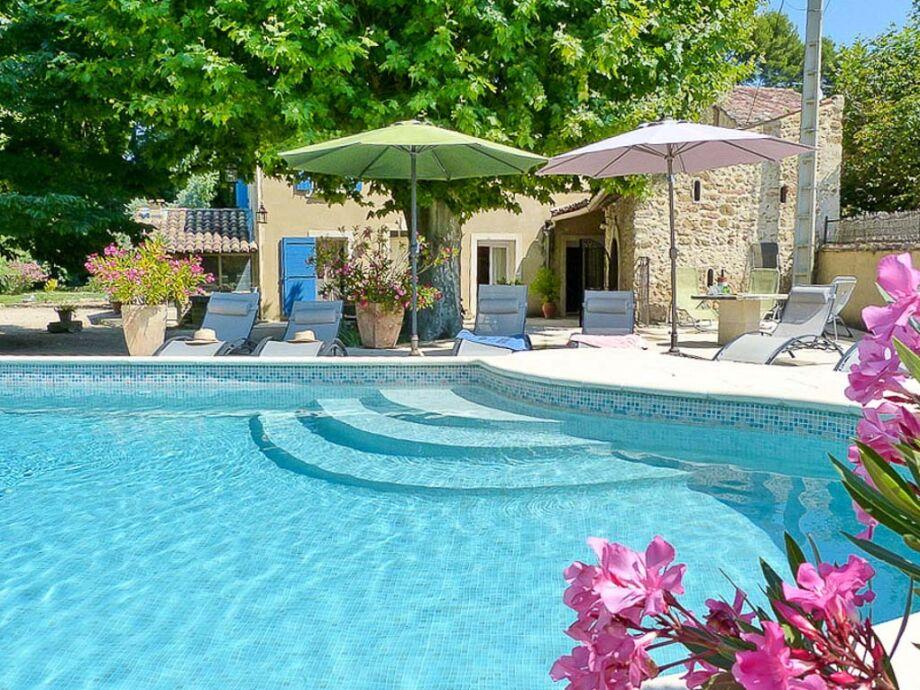 Ferienhaus mit Pool in Loriol du Comtat in der Provence