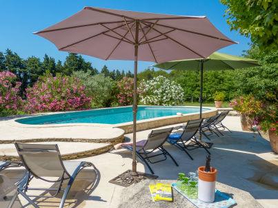 Provenzalisches Mas für 10 mit Pool in Loriol-du-Comtat
