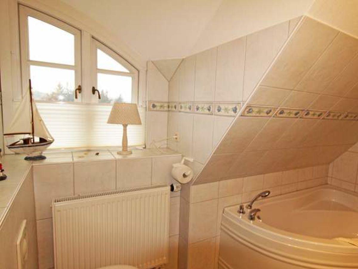 reihenhaus wildrose 2 f hr wyk firma anja petersen ferienwohnungen frau anja petersen. Black Bedroom Furniture Sets. Home Design Ideas
