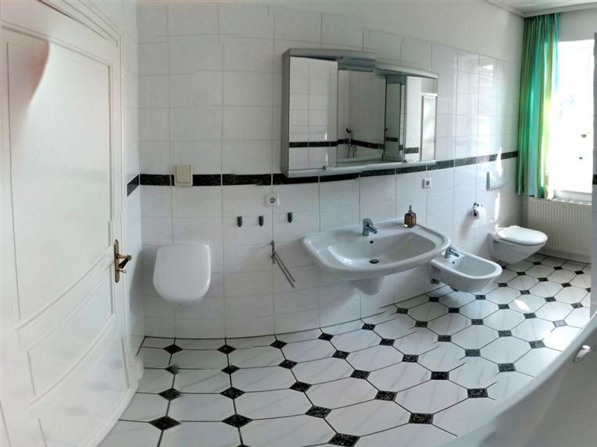ferienhaus ostsee stadthus hafen und altstadt fussl ufig ostsee hafen altstadt fu l ufig. Black Bedroom Furniture Sets. Home Design Ideas