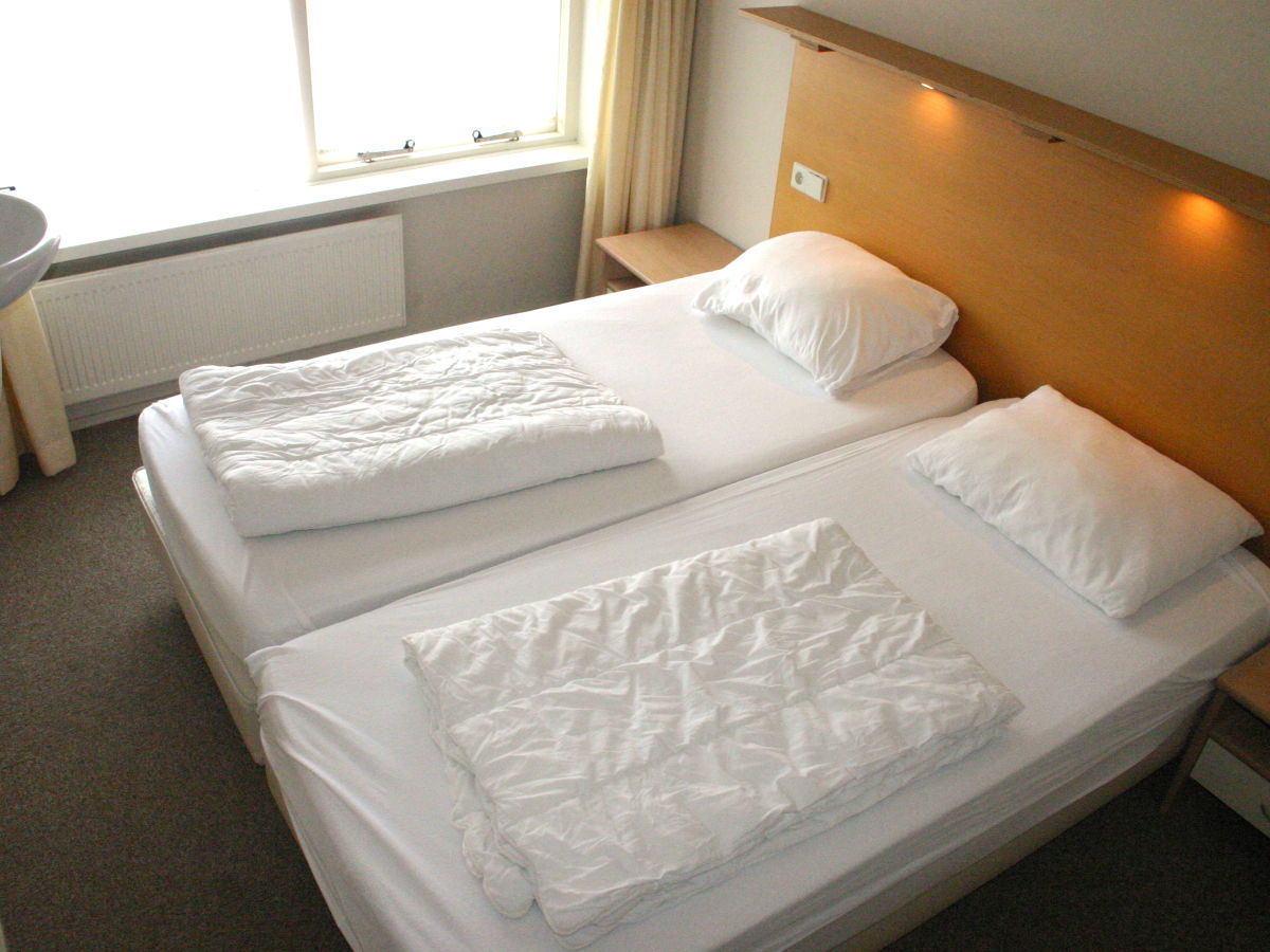 ferienhaus egelantierlaan 27 zeeland cadzand bad firma. Black Bedroom Furniture Sets. Home Design Ideas